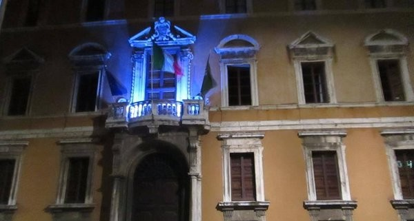 palazzo donini light it up blue